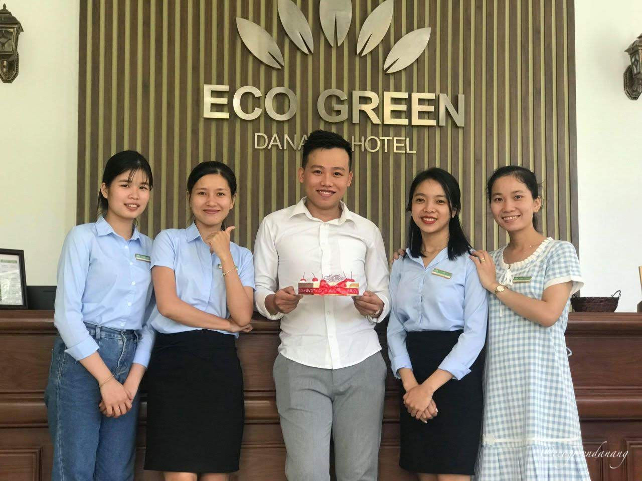 eco green visit da nang staffs